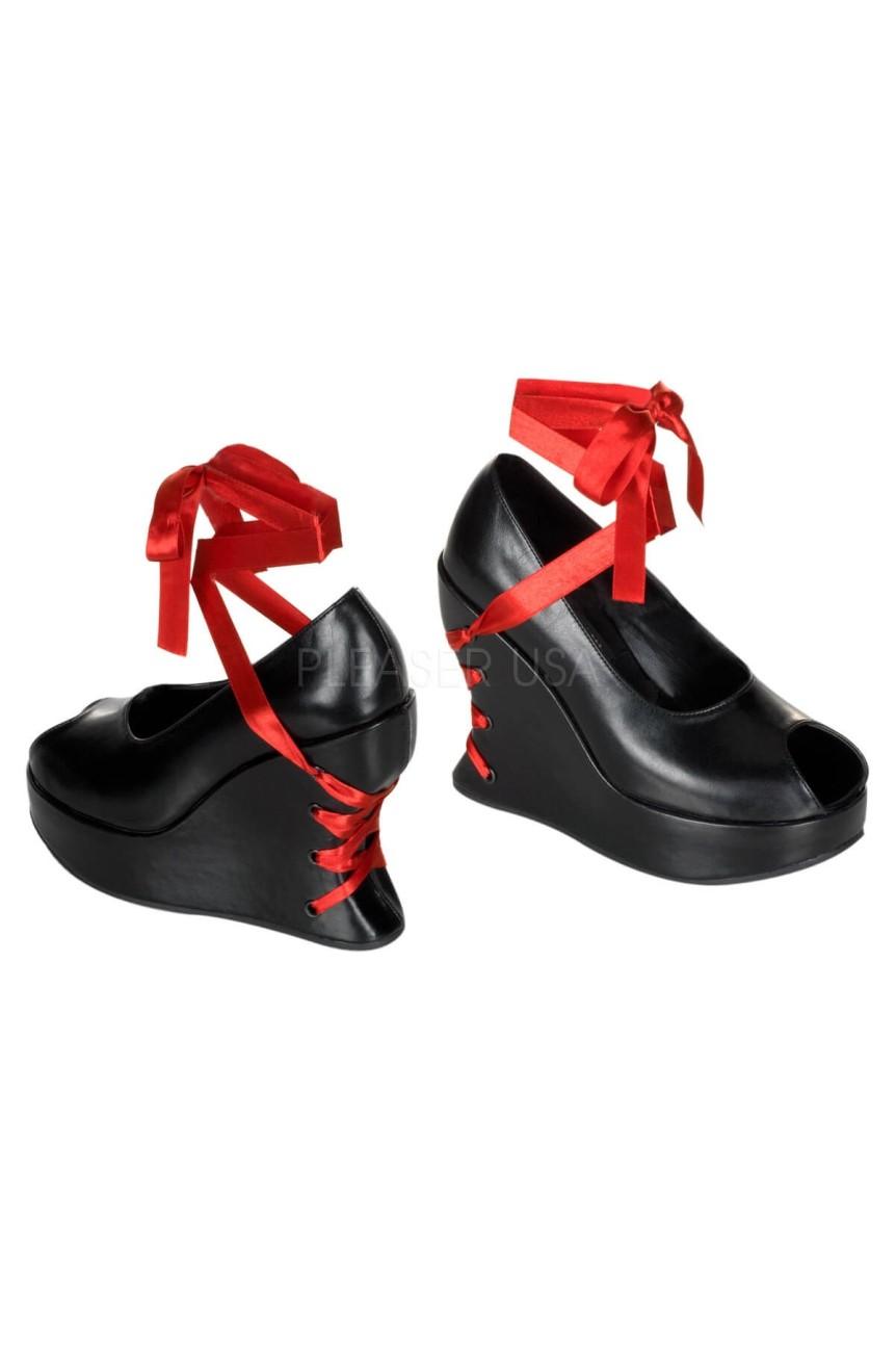 Chaussures avec ruban dans le talon